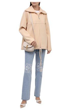 Женская шерстяная куртка JIL SANDER бежевого цвета, арт. JSPT150125-WT201100 | Фото 2 (Рукава: Длинные; Материал подклада: Вискоза; Материал внешний: Шерсть; Длина (верхняя одежда): Короткие; Кросс-КТ: Куртка; Стили: Минимализм)