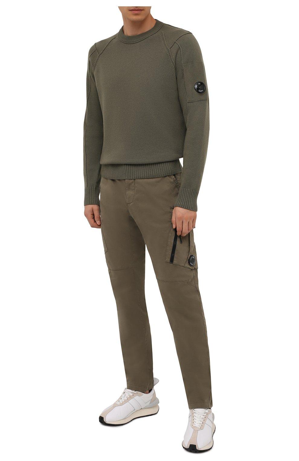 Мужские хлопковые брюки-карго C.P. COMPANY хаки цвета, арт. 11CMPA226A-005529G | Фото 2 (Силуэт М (брюки): Карго; Длина (брюки, джинсы): Стандартные; Случай: Повседневный; Стили: Милитари; Материал внешний: Хлопок)