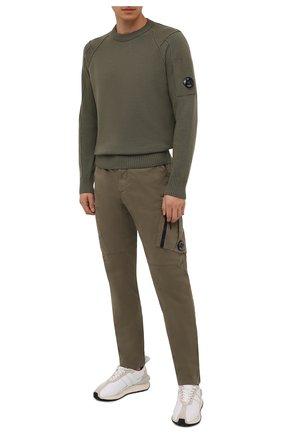 Мужские хлопковые брюки-карго C.P. COMPANY хаки цвета, арт. 11CMPA226A-005529G | Фото 2 (Длина (брюки, джинсы): Стандартные; Материал внешний: Хлопок; Силуэт М (брюки): Карго; Случай: Повседневный; Стили: Милитари)