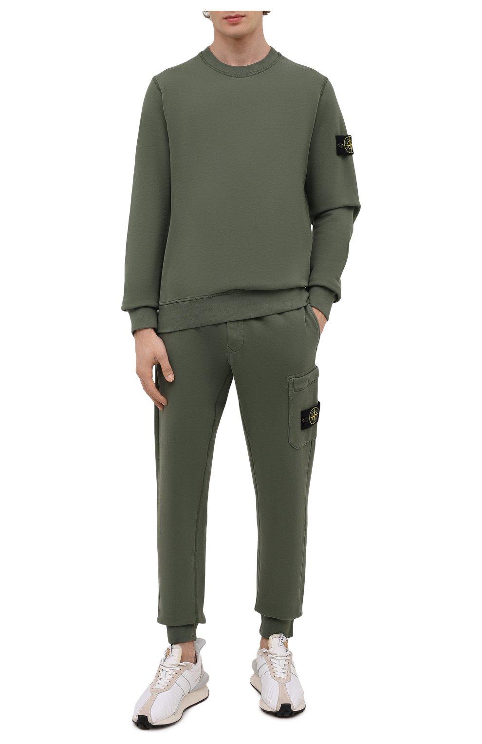 Мужской хлопковый свитшот STONE ISLAND хаки цвета, арт. 751563020 | Фото 2 (Рукава: Длинные; Принт: Без принта; Длина (для топов): Стандартные; Мужское Кросс-КТ: свитшот-одежда; Стили: Милитари; Материал внешний: Хлопок)