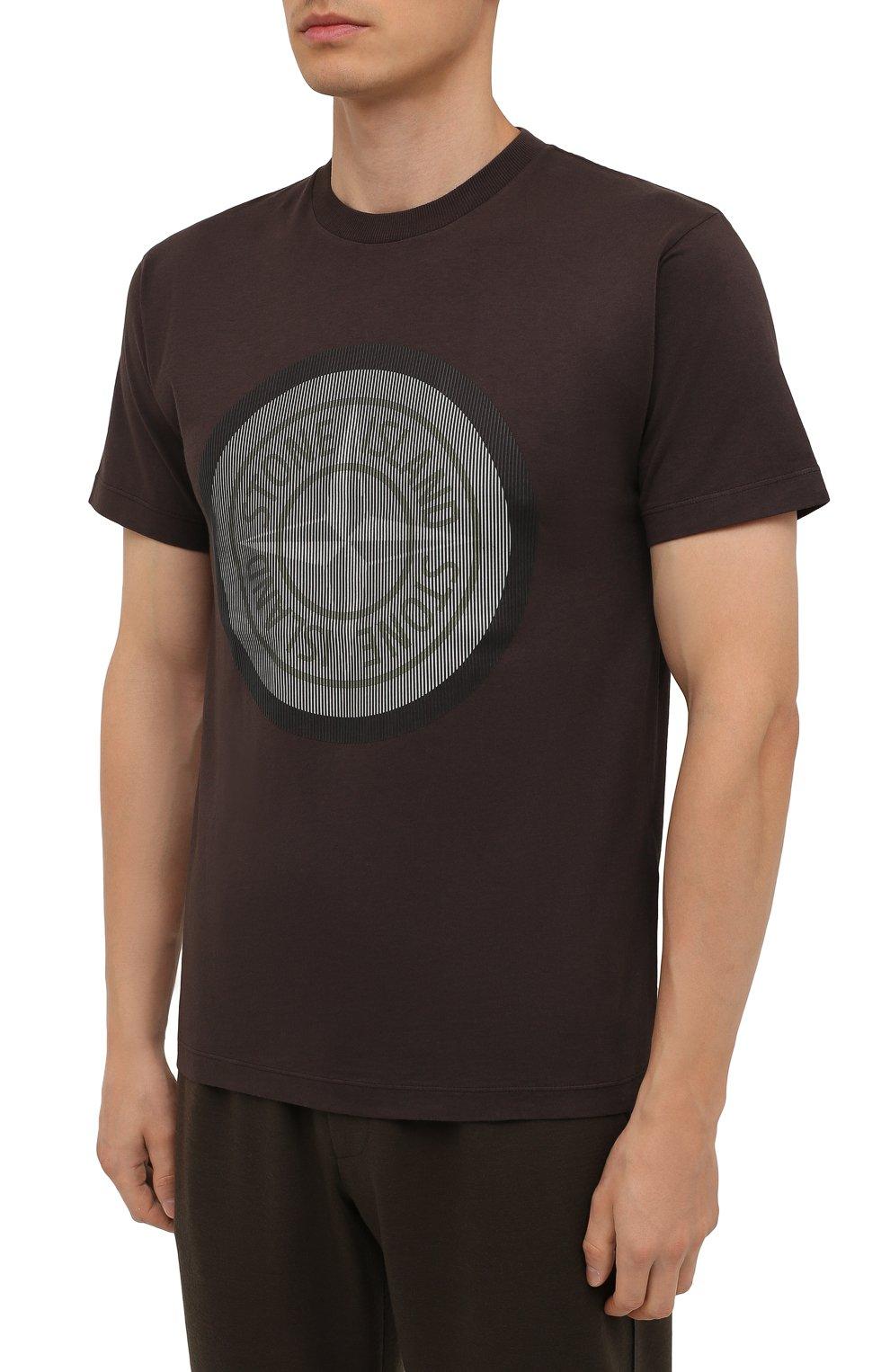 Мужская хлопковая футболка STONE ISLAND темно-коричневого цвета, арт. 75152NS89   Фото 3 (Рукава: Короткие; Длина (для топов): Стандартные; Принт: С принтом; Материал внешний: Хлопок; Стили: Кэжуэл)