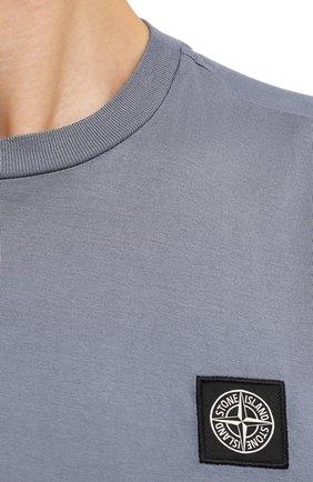 Мужская хлопковая футболка STONE ISLAND серого цвета, арт. 751524113   Фото 5 (Принт: Без принта; Рукава: Короткие; Длина (для топов): Стандартные; Материал внешний: Хлопок; Стили: Кэжуэл)