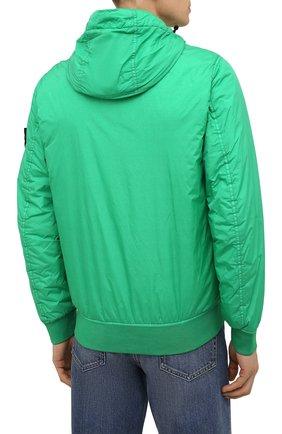 Мужской утепленный бомбер STONE ISLAND зеленого цвета, арт. 751542223   Фото 4 (Кросс-КТ: Куртка; Рукава: Длинные; Принт: Без принта; Материал внешний: Синтетический материал; Стили: Гранж; Мужское Кросс-КТ: утепленные куртки; Материал подклада: Синтетический материал; Длина (верхняя одежда): Короткие)
