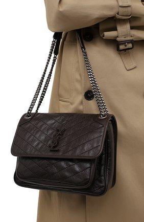 Женская сумка niki medium SAINT LAURENT темно-коричневого цвета, арт. 633158/1YG04 | Фото 2 (Материал: Натуральная кожа; Сумки-технические: Сумки через плечо; Размер: medium; Ремень/цепочка: С цепочкой, На ремешке)