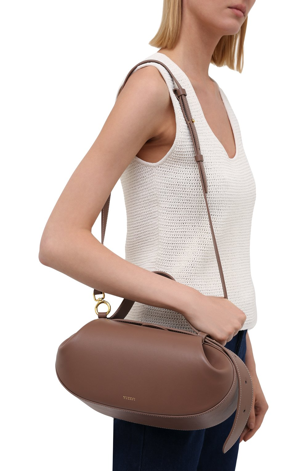 Женская сумка loaf YUZEFI бежевого цвета, арт. YUZPF21-HB-L0-14 | Фото 5 (Сумки-технические: Сумки top-handle; Размер: medium; Материал: Натуральная кожа; Ремень/цепочка: На ремешке)