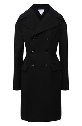 Женское двубортное пальто BOTTEGA VENETA черного цвета, арт. 663721/VF4A0 | Фото 1 (Длина (верхняя одежда): До колена; Рукава: Длинные; Материал подклада: Вискоза; Материал внешний: Синтетический материал; Стили: Гламурный; 1-2-бортные: Двубортные)