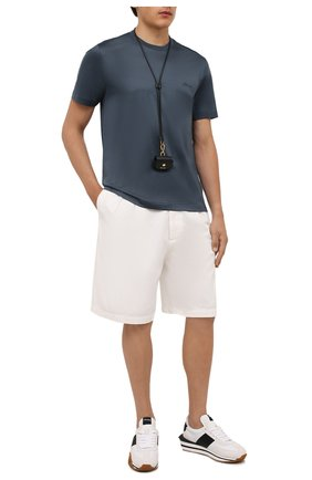 Мужская хлопковая футболка BRIONI синего цвета, арт. UJCA0L/PZ600 | Фото 2 (Материал внешний: Хлопок; Рукава: Короткие; Принт: Без принта; Стили: Кэжуэл; Длина (для топов): Стандартные)
