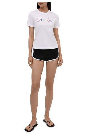Женская хлопковая пижама CALVIN KLEIN черно-белого цвета, арт. QS6672E | Фото 1 (Длина Ж (юбки, платья, шорты): Мини; Длина (для топов): Стандартные; Материал внешний: Хлопок; Стили: Кэжуэл)