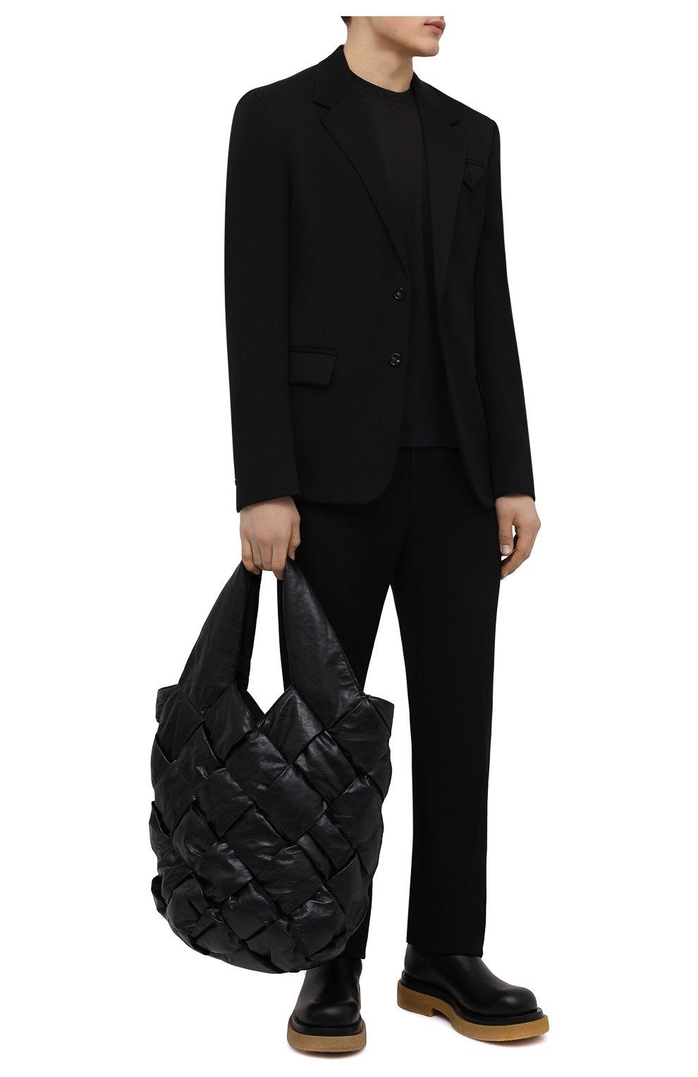 Мужские шерстяные брюки BOTTEGA VENETA черного цвета, арт. 659698/VKIS0   Фото 2 (Материал внешний: Шерсть; Длина (брюки, джинсы): Стандартные; Случай: Повседневный; Стили: Минимализм)