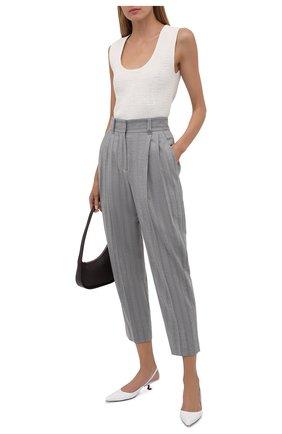 Женские шерстяные брюки BRUNELLO CUCINELLI светло-серого цвета, арт. ME226P7796 | Фото 2 (Материал подклада: Синтетический материал; Длина (брюки, джинсы): Стандартные; Материал внешний: Шерсть; Женское Кросс-КТ: Брюки-одежда; Силуэт Ж (брюки и джинсы): Прямые; Случай: Формальный; Стили: Классический)
