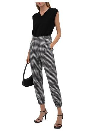 Женские брюки из шерсти и хлопка BRUNELLO CUCINELLI черно-белого цвета, арт. MD507P7776 | Фото 2 (Длина (брюки, джинсы): Стандартные; Материал внешний: Шерсть, Хлопок; Женское Кросс-КТ: Брюки-одежда; Силуэт Ж (брюки и джинсы): Прямые; Случай: Формальный; Стили: Классический)