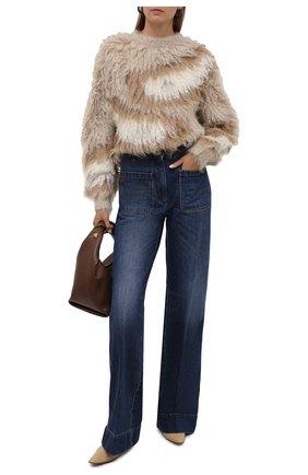 Женский свитер BRUNELLO CUCINELLI бежевого цвета, арт. M1U375100   Фото 2 (Рукава: Длинные; Материал внешний: Шерсть; Длина (для топов): Стандартные; Женское Кросс-КТ: Свитер-одежда; Стили: Кэжуэл)
