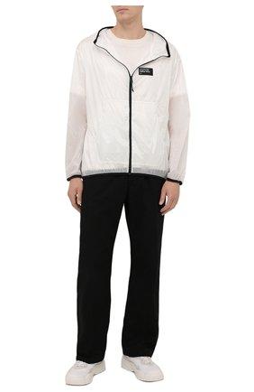 Мужская куртка mahpee 7 moncler frgmt hiroshi fujiwara MONCLER GENIUS белого цвета, арт. G2-09U-1A000-23-595B1 | Фото 2 (Длина (верхняя одежда): Короткие; Рукава: Длинные; Материал внешний: Синтетический материал; Кросс-КТ: Куртка, Ветровка; Стили: Гранж)