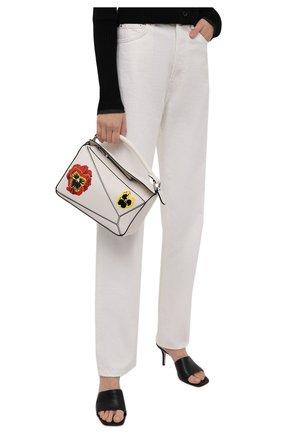 Женская сумка puzzle small LOEWE кремвого цвета, арт. A510S21X71 | Фото 2 (Материал: Натуральная кожа; Размер: medium, small; Сумки-технические: Сумки top-handle; Ремень/цепочка: На ремешке)