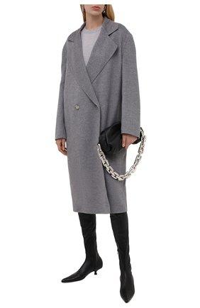Женское шерстяное пальто STELLA MCCARTNEY светло-серого цвета, арт. 602900/SPB05 | Фото 2 (Материал внешний: Шерсть; Стили: Кэжуэл; 1-2-бортные: Двубортные; Длина (верхняя одежда): До колена, Длинные; Рукава: Длинные)