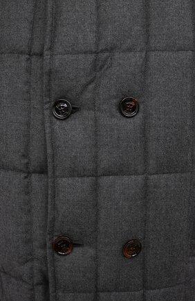 Мужская пуховая куртка с меховой отделкой siro-l MOORER серого цвета, арт. SIR0-L/M0UGI100276-TEPA217   Фото 5 (Кросс-КТ: Куртка; Мужское Кросс-КТ: пуховик-короткий; Материал внешний: Шерсть; Рукава: Длинные; Длина (верхняя одежда): До середины бедра; Стили: Классический; Материал подклада: Синтетический материал; Материал утеплителя: Пух и перо)