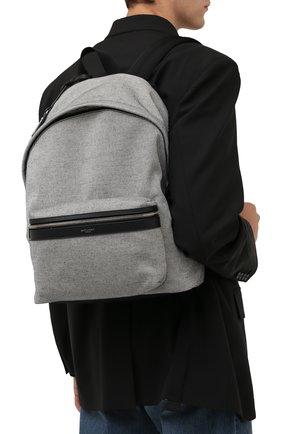 Мужской текстильный рюкзак city SAINT LAURENT серого цвета, арт. 534967/23Z4E | Фото 2 (Материал: Текстиль; Ремень/цепочка: На ремешке)