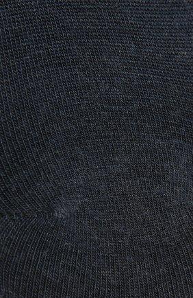 Женские носки FALKE темно-синего цвета, арт. 46423 | Фото 2 (Материал внешний: Растительное волокно, Синтетический материал)