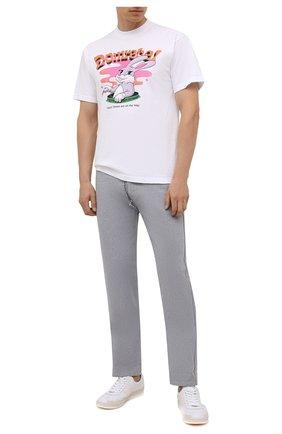 Мужская хлопковая футболка DOMREBEL белого цвета, арт. MCARR0TS/B0X T | Фото 2 (Материал внешний: Хлопок; Принт: С принтом; Рукава: Короткие; Стили: Гранж; Длина (для топов): Стандартные)