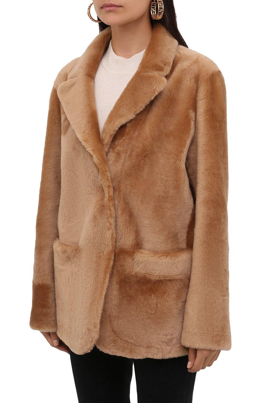 Женская шуба из овчины DROME бежевого цвета, арт. DPD3146P/D109P | Фото 3 (Женское Кросс-КТ: Мех; Рукава: Длинные; Материал внешний: Натуральный мех; Длина (верхняя одежда): Короткие; Стили: Кэжуэл)