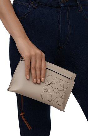 Женские кожаный футляр для документов LOEWE кремвого цвета, арт. C500M38X01 | Фото 2