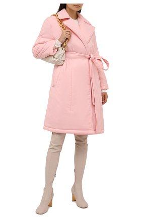 Женский пуховик REDVALENTINO светло-розового цвета, арт. WR3CK00Q/63K   Фото 2 (Материал подклада: Синтетический материал; Рукава: Длинные; Материал внешний: Синтетический материал; Длина (верхняя одежда): До колена; Стили: Романтичный; Кросс-КТ: Пуховик)