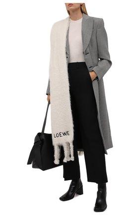 Женский шарф LOEWE белого цвета, арт. F526487X08 | Фото 2