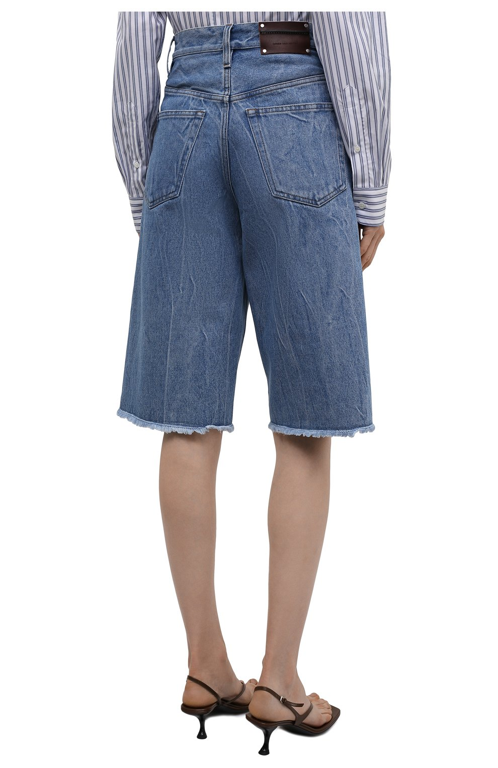 Женские джинсовые шорты DRIES VAN NOTEN синего цвета, арт. 212-032406-3381 | Фото 4 (Женское Кросс-КТ: Шорты-одежда; Стили: Гламурный; Кросс-КТ: Деним, Широкие; Материал внешний: Хлопок; Длина Ж (юбки, платья, шорты): Миди)