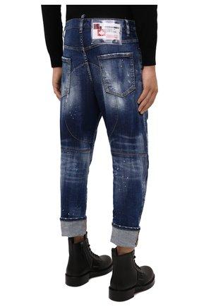 Мужские джинсы DSQUARED2 синего цвета, арт. S74LB0958/S30342   Фото 4 (Силуэт М (брюки): Прямые; Кросс-КТ: Деним; Стили: Гранж; Материал внешний: Хлопок; Детали: Потертости; Длина (брюки, джинсы): Укороченные)