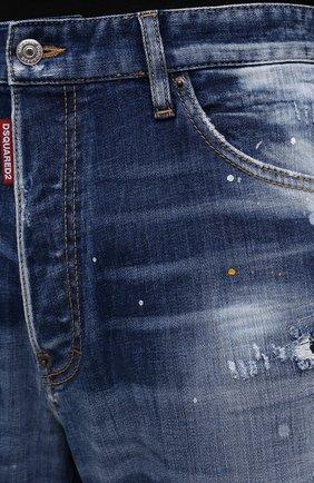 Мужские джинсы DSQUARED2 синего цвета, арт. S74LB0958/S30342   Фото 5 (Силуэт М (брюки): Прямые; Кросс-КТ: Деним; Стили: Гранж; Материал внешний: Хлопок; Детали: Потертости; Длина (брюки, джинсы): Укороченные)