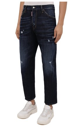 Мужские джинсы DSQUARED2 темно-синего цвета, арт. S74LB1007/S30214 | Фото 3 (Силуэт М (брюки): Широкие; Кросс-КТ: Деним; Длина (брюки, джинсы): Стандартные; Стили: Гранж; Материал внешний: Хлопок; Детали: Потертости)