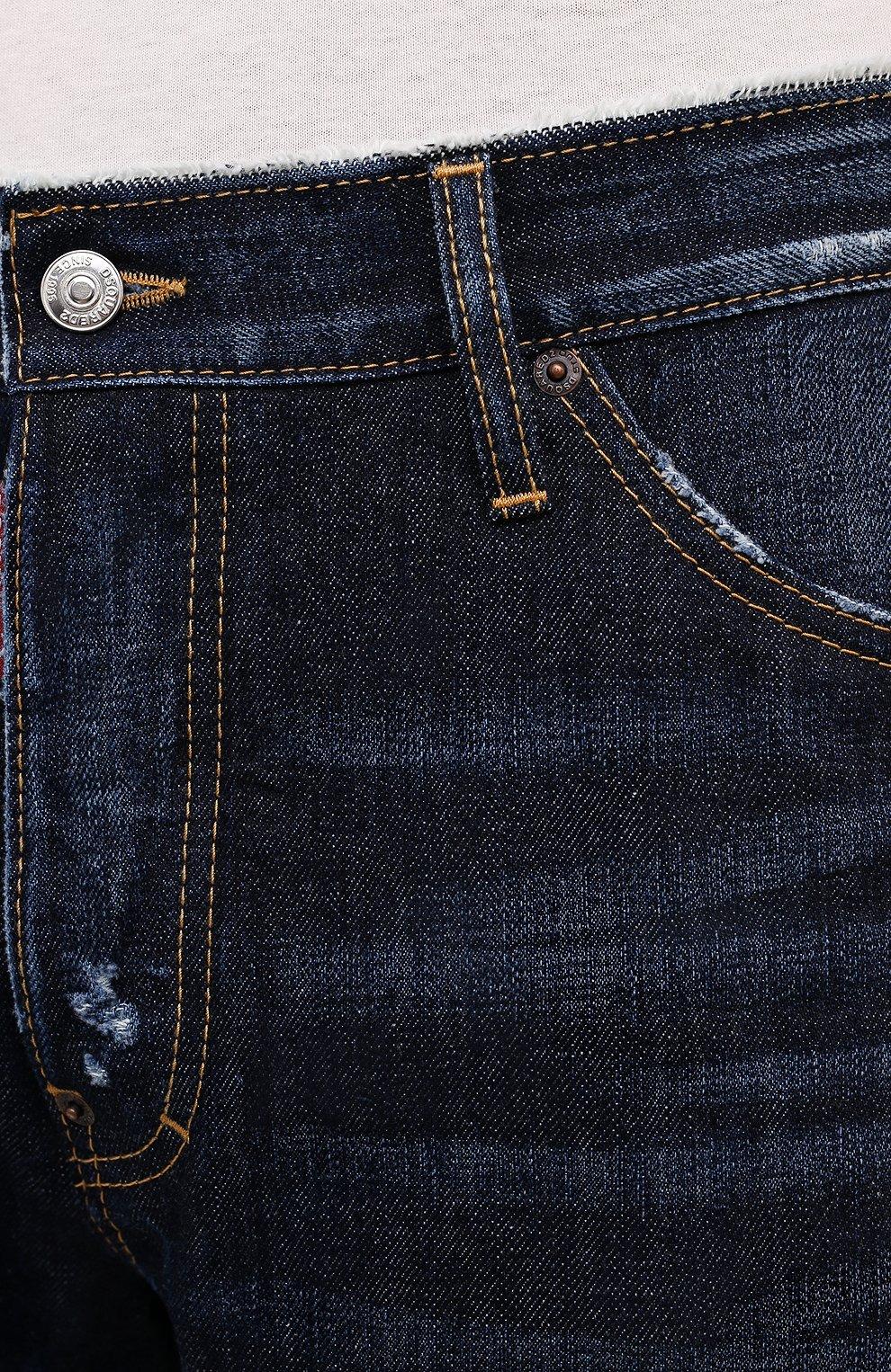 Мужские джинсы DSQUARED2 темно-синего цвета, арт. S74LB1007/S30214 | Фото 5 (Силуэт М (брюки): Широкие; Кросс-КТ: Деним; Длина (брюки, джинсы): Стандартные; Стили: Гранж; Материал внешний: Хлопок; Детали: Потертости)