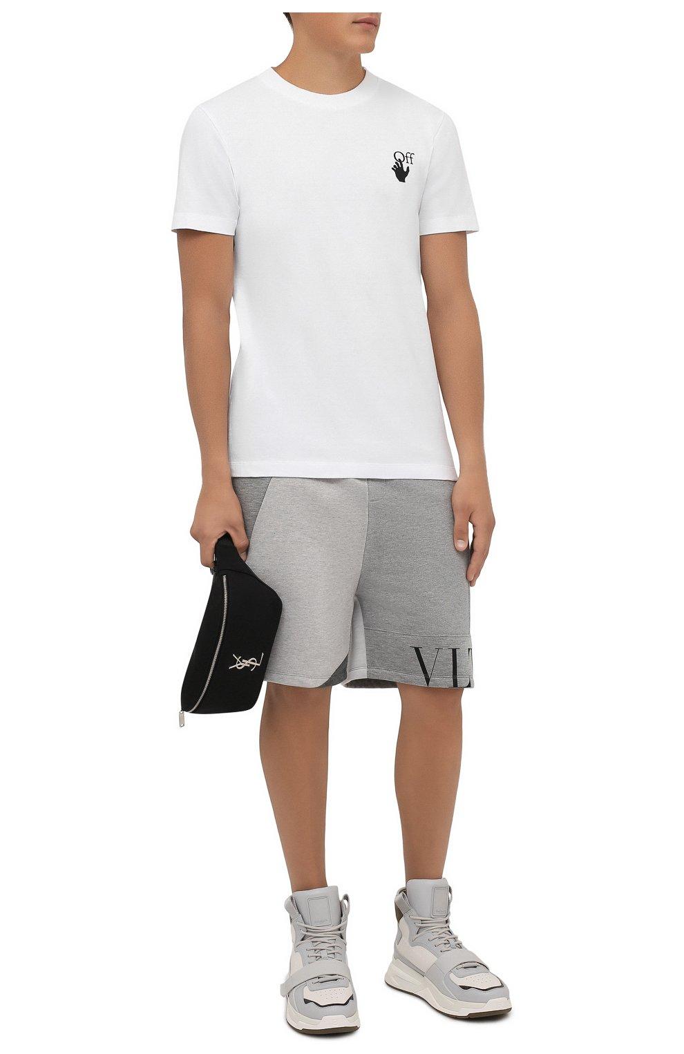 Мужские шорты VALENTINO светло-серого цвета, арт. WV3MD02Y7CV   Фото 2 (Длина Шорты М: До колена; Материал внешний: Синтетический материал; Принт: С принтом; Кросс-КТ: Трикотаж; Стили: Спорт-шик)