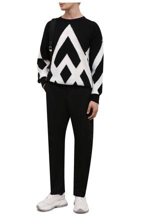Мужской шерстяной свитер MONCLER черного цвета, арт. G2-091-9C000-32-M1299 | Фото 2 (Длина (для топов): Стандартные; Материал внешний: Шерсть; Рукава: Длинные; Принт: С принтом; Мужское Кросс-КТ: Свитер-одежда; Стили: Кэжуэл)