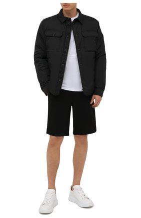 Мужские хлопковые шорты MONCLER черного цвета, арт. G2-091-8H000-12-809KR | Фото 2