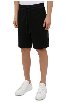 Мужские хлопковые шорты MONCLER черного цвета, арт. G2-091-8H000-12-809KR | Фото 3 (Длина Шорты М: До колена; Принт: Без принта; Кросс-КТ: Трикотаж; Материал внешний: Хлопок; Стили: Спорт-шик)