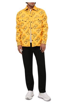 Мужская пуховая куртка DOLCE & GABBANA желтого цвета, арт. G9VW7T/GEU32 | Фото 2 (Рукава: Длинные; Материал внешний: Синтетический материал; Материал подклада: Синтетический материал; Материал утеплителя: Пух и перо; Длина (верхняя одежда): До середины бедра; Кросс-КТ: Куртка; Мужское Кросс-КТ: пуховик-короткий; Стили: Гранж)
