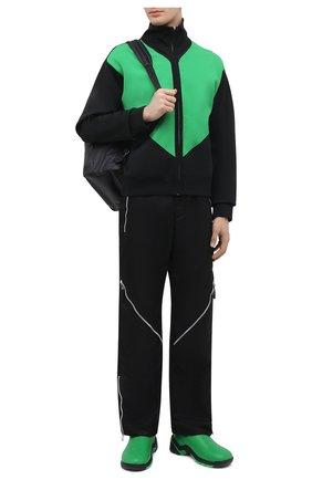 Мужской кардиган BOTTEGA VENETA черного цвета, арт. 665908/V0C10 | Фото 2 (Рукава: Длинные; Длина (для топов): Стандартные; Материал внешний: Вискоза, Синтетический материал; Мужское Кросс-КТ: Кардиган-одежда; Стили: Спорт-шик)