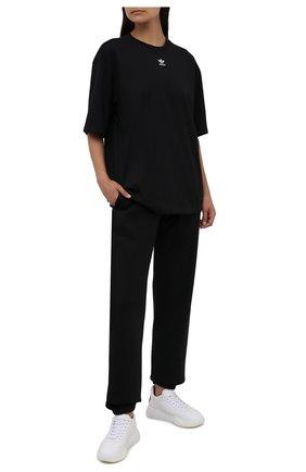 Женская хлопковая футболка ADIDAS ORIGINALS черного цвета, арт. H06649 | Фото 2