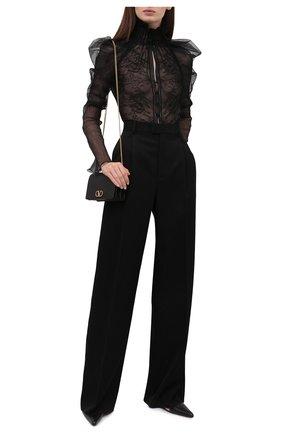 Женская блузка TOM FORD черного цвета, арт. TS1977-FAX343 | Фото 2 (Рукава: Длинные; Длина (для топов): Стандартные; Материал внешний: Синтетический материал; Материал подклада: Шелк; Женское Кросс-КТ: Блуза-одежда; Стили: Романтичный; Принт: Без принта)