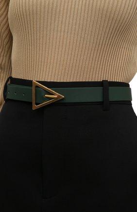 Женский кожаный ремень BOTTEGA VENETA темно-зеленого цвета, арт. 609275/VMAU1 | Фото 2