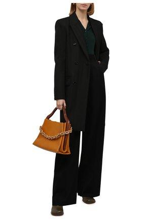 Женское пальто BOTTEGA VENETA хаки цвета, арт. 668802/V1200   Фото 2 (Материал подклада: Вискоза; Материал внешний: Синтетический материал; Рукава: Длинные; Длина (верхняя одежда): До колена; Стили: Кэжуэл; 1-2-бортные: Двубортные)