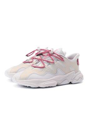 Женские комбинированные кроссовки ozweego plus ADIDAS ORIGINALS белого цвета, арт. GZ8140 | Фото 1