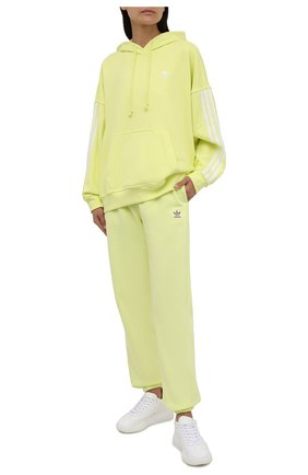 Женские хлопковые джоггеры ADIDAS ORIGINALS желтого цвета, арт. H06630 | Фото 2