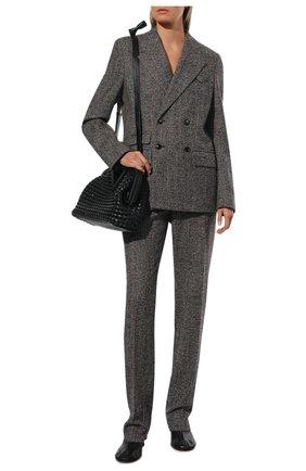 Женский жакет из шерсти и шелка BOTTEGA VENETA бежевого цвета, арт. 669598/V12N0   Фото 2 (Материал подклада: Вискоза; Длина (для топов): Стандартные; Рукава: Длинные; Материал внешний: Шерсть; Женское Кросс-КТ: Жакет-одежда; 1-2-бортные: Двубортные; Стили: Кэжуэл; Случай: Повседневный)