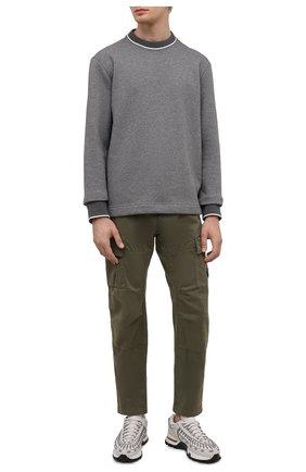 Мужские хлопковые брюки-карго C.P. COMPANY хаки цвета, арт. 11CMPA186A-005529G | Фото 2 (Материал внешний: Хлопок; Случай: Повседневный; Силуэт М (брюки): Карго; Стили: Кэжуэл, Милитари; Длина (брюки, джинсы): Стандартные)