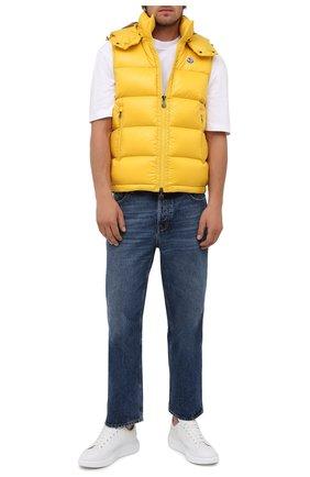 Мужской пуховый жилет bormes MONCLER желтого цвета, арт. G2-091-1A001-52-68950 | Фото 2 (Материал подклада: Синтетический материал; Материал утеплителя: Пух и перо; Материал внешний: Синтетический материал; Кросс-КТ: Пуховик, Куртка; Стили: Спорт-шик; Длина (верхняя одежда): Короткие)