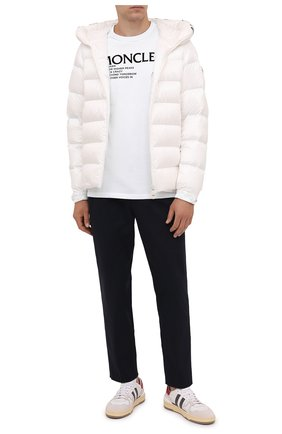Мужская пуховая куртка salzman MONCLER белого цвета, арт. G2-091-1A000-09-53048 | Фото 2 (Материал внешний: Синтетический материал; Материал утеплителя: Пух и перо; Материал подклада: Синтетический материал; Кросс-КТ: Куртка; Мужское Кросс-КТ: пуховик-короткий; Длина (верхняя одежда): Короткие; Стили: Кэжуэл; Рукава: Длинные)