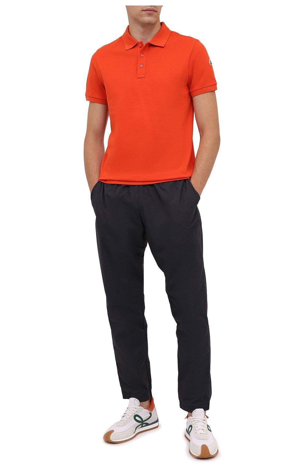 Мужское хлопковое поло MONCLER оранжевого цвета, арт. G2-091-8A705-10-84556 | Фото 2 (Застежка: Пуговицы; Рукава: Короткие; Длина (для топов): Стандартные; Кросс-КТ: Трикотаж; Материал внешний: Хлопок; Стили: Кэжуэл)