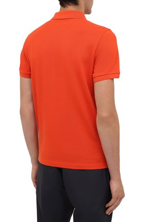 Мужское хлопковое поло MONCLER оранжевого цвета, арт. G2-091-8A705-10-84556 | Фото 4 (Застежка: Пуговицы; Рукава: Короткие; Длина (для топов): Стандартные; Кросс-КТ: Трикотаж; Материал внешний: Хлопок; Стили: Кэжуэл)